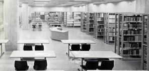 昭和39年(1964)に開館した福岡県文化会館内の図書館の様子