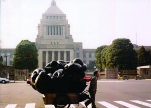 2001年、国会議事堂前