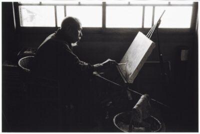 片山攝三《坂本繁二郎》1963 当館蔵